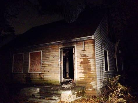 eminem house eminem s childhood home as seen on mmlp2 cover damaged by fire hiphop n more