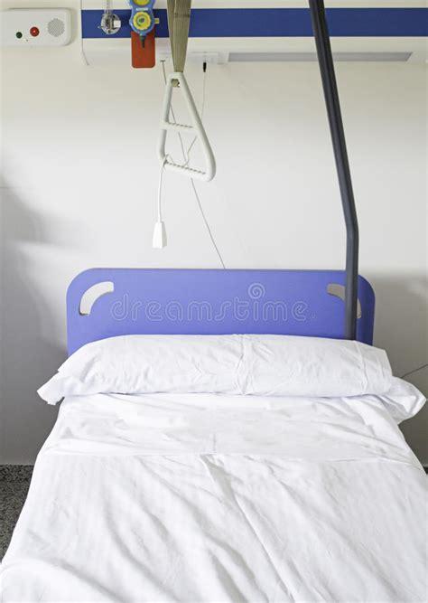 letto d ospedale letto di ospedale immagine stock immagine di nessuno