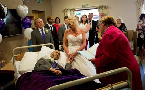 couple marry  hospice  ceremony funded  strangers
