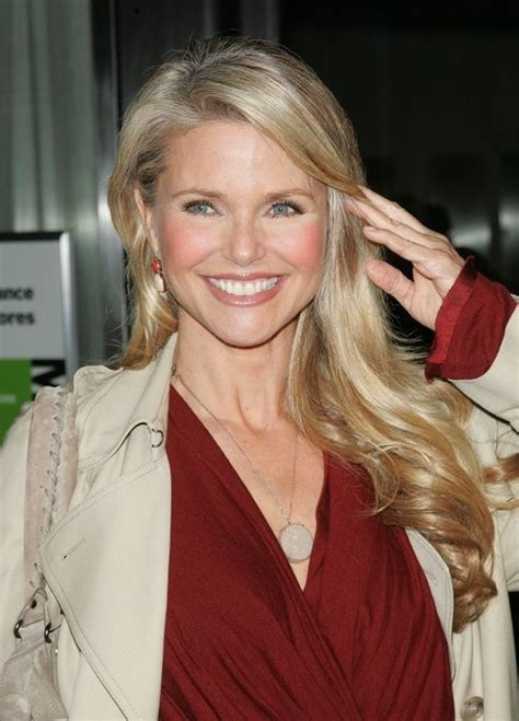 hair cours for 57 years old woman christie brinkley 57 she is just as beautiful today as