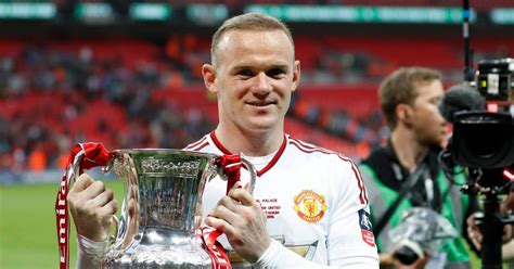 wayne rooney shows off the results of second hair wayne rooney could be in need of a third hair transplant