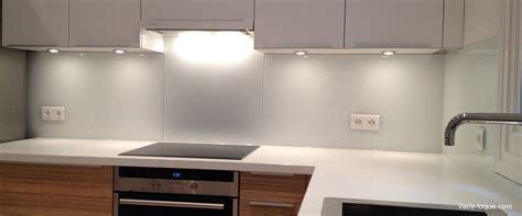 cr馘ence cuisine en verre design cr 233 dence en verre laqu 233 pour votre cuisine verre laque com