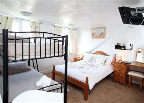 Room No 7 by The Weatherdene Guest House Great Yarmouth Family Room