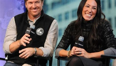 is fixer upper on netflix usa fixer upper stars eyeing return to tv on different