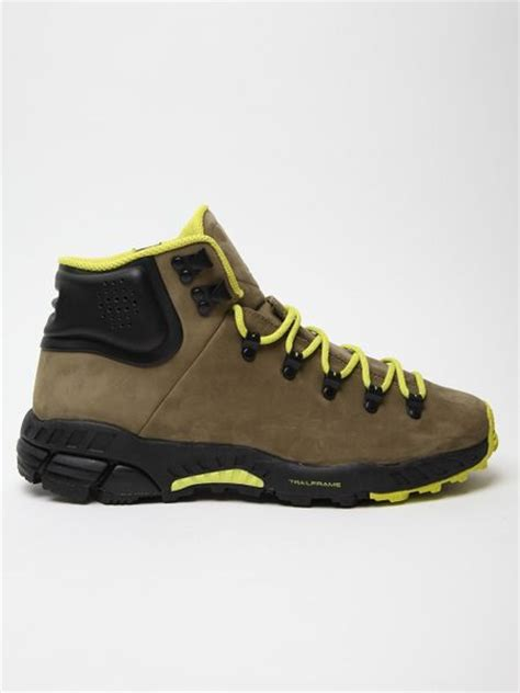 nike walking boots mens nike mens zoom meriwether hiking boot in green for lyst