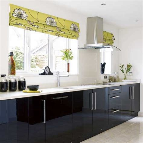 black gloss kitchen cabinets black gloss kitchen kitchens design ideas