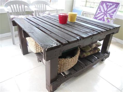 Patio Table From Pallets by Pallet Patio Table Pallet Furniture Plans