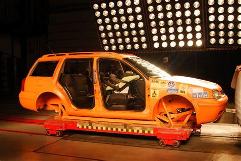 Kinder Auto Vorne Sitzen österreich by Kinder Im Auto Soll Der Nachwuchs Vorne Sitzen
