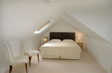 Loft Conversion Low Ceiling by 1000 Ideas About Low Ceiling Bedroom On Attic