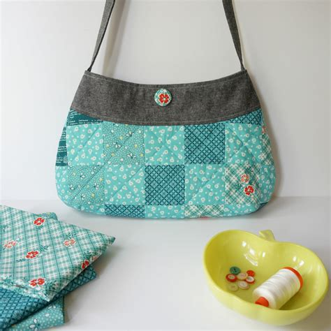 springtime patchwork purse free pattern tutorial sew