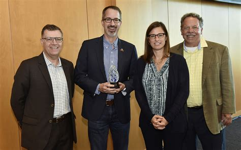 Mba Assistant Dean by Mili Wins Innovator Award For Industry Valuation