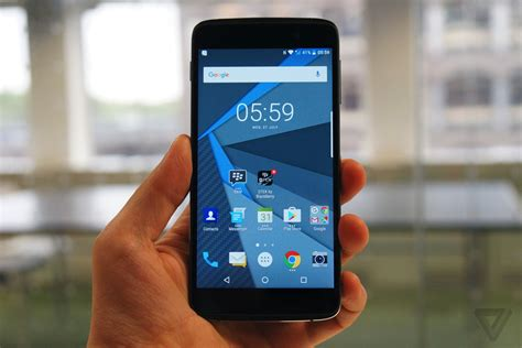 Handphone Blackberry Touchscreen on with blackberry s touchscreen phone the verge
