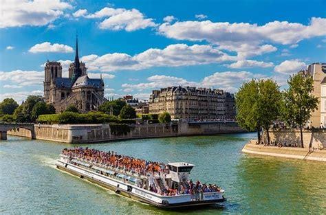 bateau mouche paris hours bateaux mouches 1 hour seine river cruise with optional