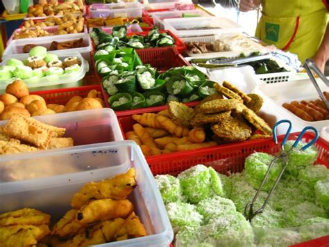 kuih muih i know what i ate last summer all the food you cannot say no to at a ramadan bazaar