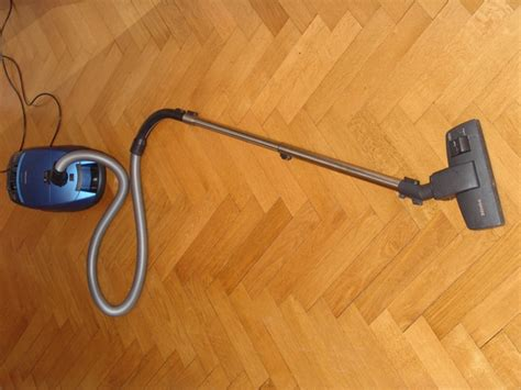 What Is The Best Vacuum For Hardwood Floors by Best Vacuum Cleaner For Hardwood Shark Vacuums Den