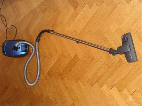 vacuum for hardwood floors reviews top 10 canister vacuums inspiremedianu
