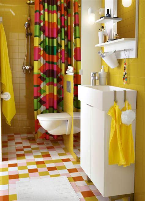 ikea badezimmer lillangen ein farbenfrohes badezimmer mit lill 197 ngen waschkommode mit
