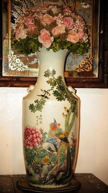 Old Chinese Vases Old Chinese Vase With Flowers Chinese Vases Pinterest