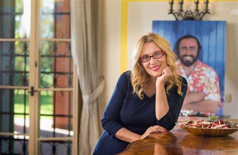 luciano mantovani la viuda de pavarotti hoy la voz no es siempre lo