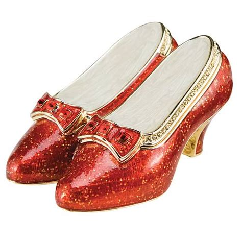 ruby slippers clip dorothy s slippers clipart clipart suggest