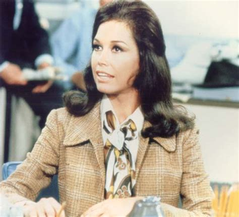 mary tyler moore style smart fashion spotlight mary tyler moore