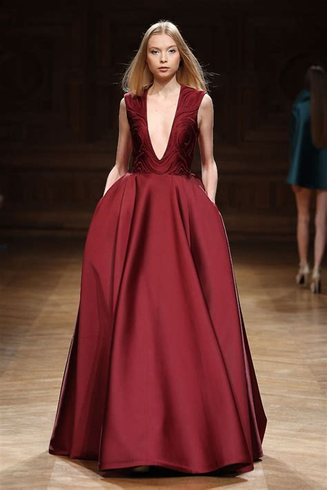 Divas Or To Earth And Tony by Tony Ward Haute Couture Fall Winter 2014 2015 Collection