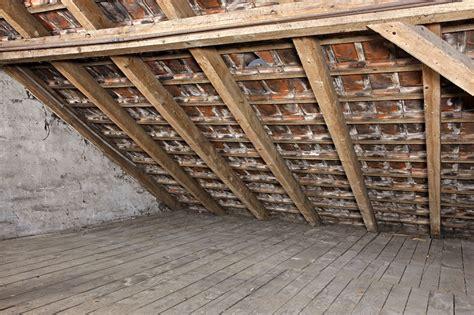 decke nachträglich dämmen dach isolieren dach isolieren kosten dach neu isolieren