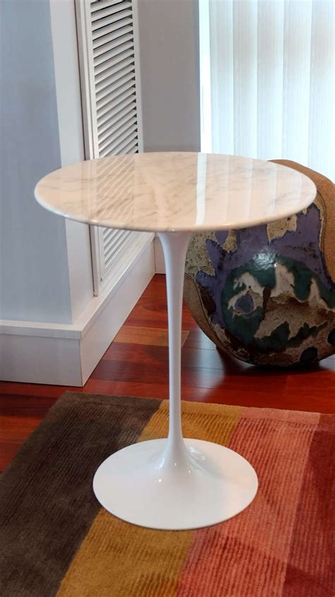 knoll table saarinen tulip side table with marble top by knoll at 1stdibs
