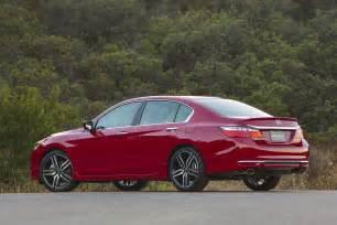 2016 Honda Accord Sport 2017 Honda Accord Sport Rear Three Quarter Motor Trend