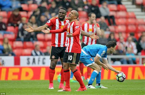 epl daily mail sunderland news black cats relegated from premier league