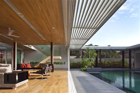 enclosed open house by wallflower architecture design 02
