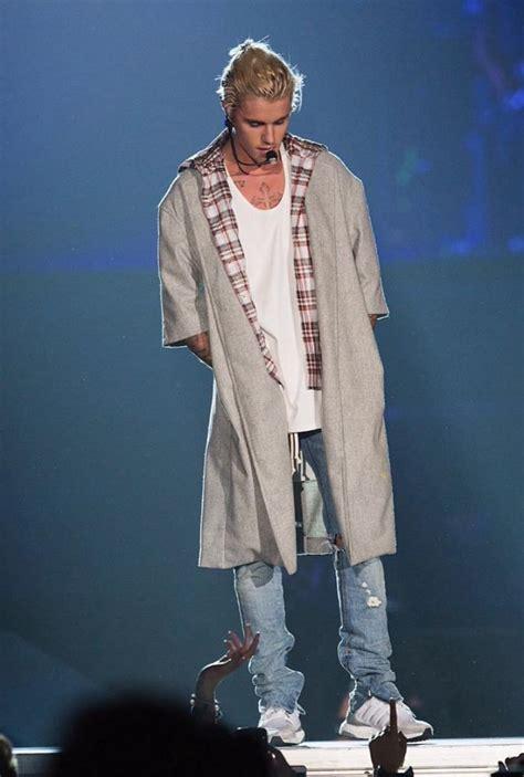 Jaket Hoodie Fog Fear Of God Premium 1 justin bieber wears supreme jacket fog fear of god camo