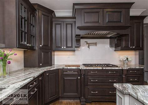 cherry finish square maple kitchen cabinets 25 b 228 sta kitchen showroom id 233 erna p 229 pinterest k 246 ks 246