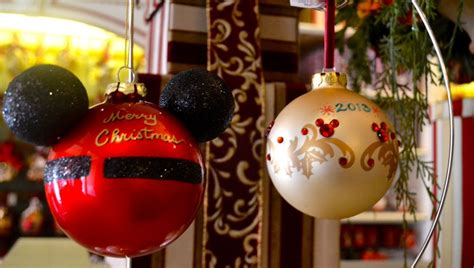 adding a personal touch to the holidays at the disneyland resort 171 disney parks