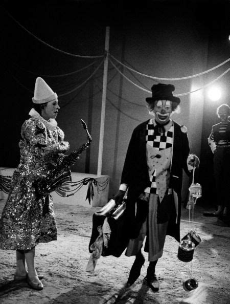 caterina valente zirkus 872 best clowns why d it have to be clowns images on