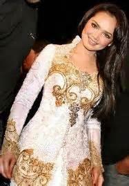 look celebrity indonesia 2 butterly in a kebaya my celebrities look a like