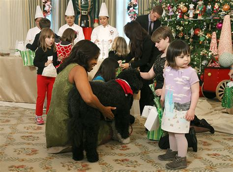 white house dogs obama michelle obama unveils white house decorations with pet bo