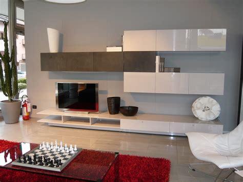 salotti moderni con camino soggiorni e salotti moderni arredo per la tua casa