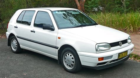 datei  volkswagen golf  cl  door hatchback