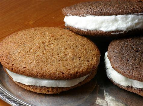 Easy Whoopie Pie Cake Recipe