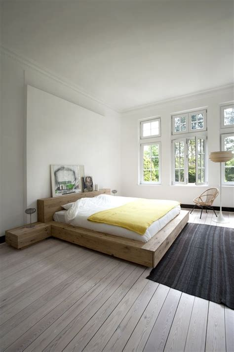 einfaches schlafzimmer oak madra bed by ethnicraft