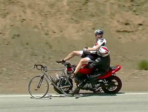 Motorrad Anf Nger Cup by Motorrad Crash Snake Volltrottel R 228 Umt Fahrradfahrer Ab