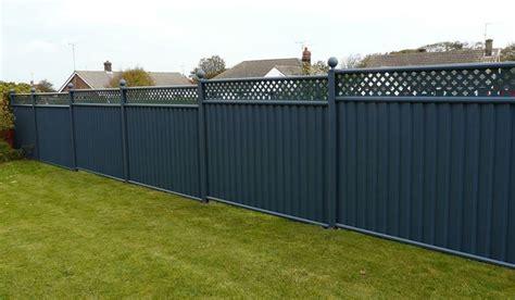 ringhiera giardino recinzioni per giardino valorizza gli spazi esterni della