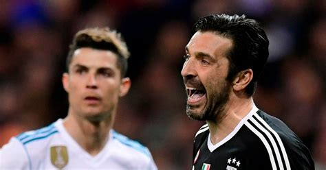 ronaldo juventus money what cristiano ronaldo was seen doing before scoring penalty against juventus shows why he is