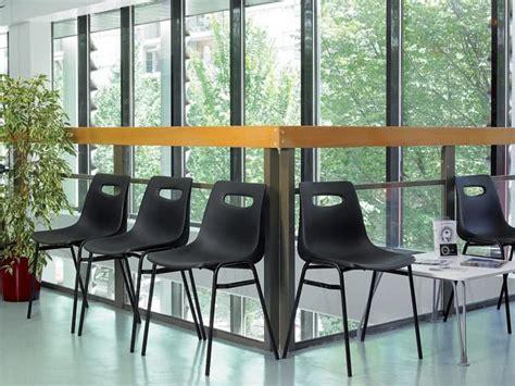 sedie monoscocca noleggio sedia monoscocca ignifuga e agganciabile per