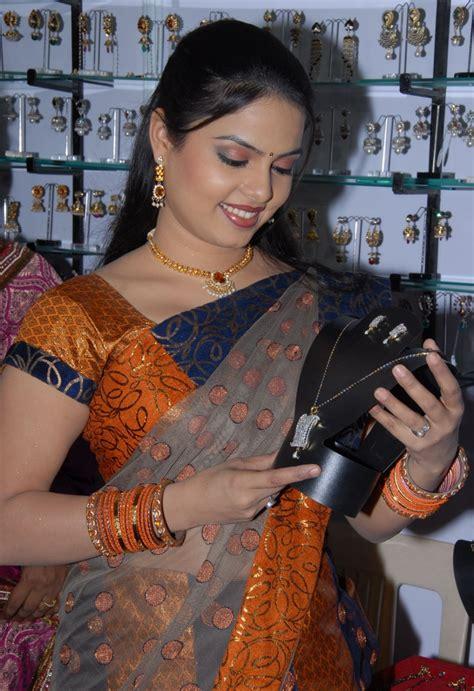 Maa music anchor sowmya marriage boot
