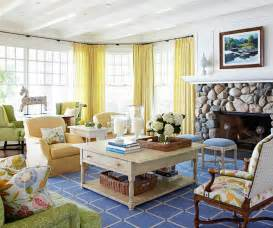 turn on the charm with cottage style decorating 18 small living room designs ideas design trends