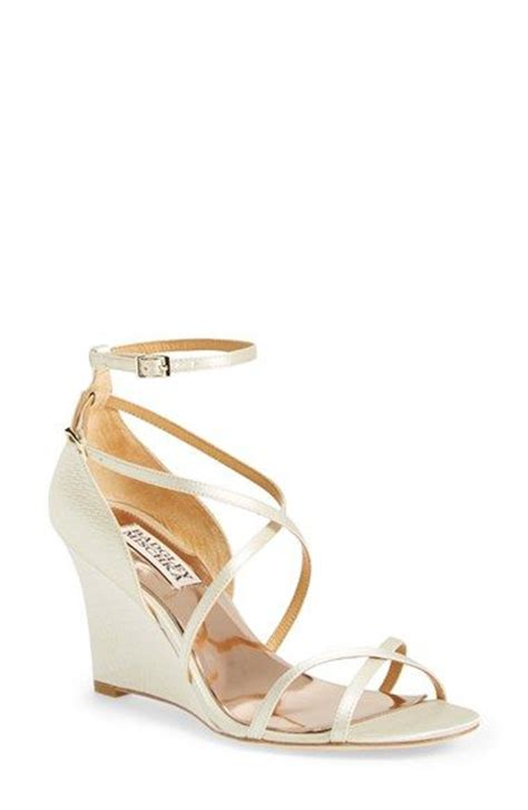 Bridal Wedge Sandals by Best 25 Wedge Wedding Shoes Ideas On Outdoor