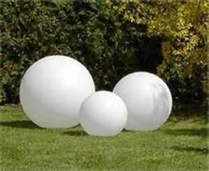 solar kugelleuchten für den garten kugelleuchten kugelleuchtengruppe lightball s licht idee de