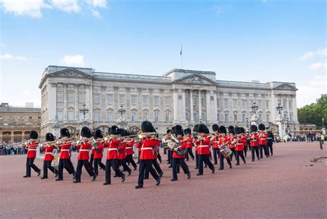 buckingham palace buckingham palace picture expensive homes abc news